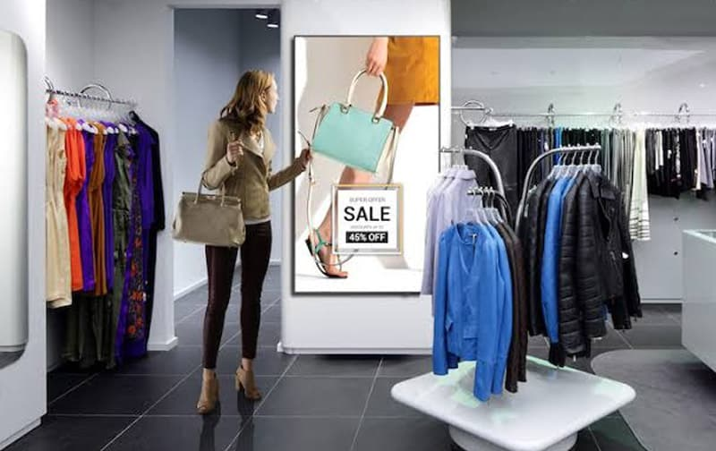 digital signage for retail store